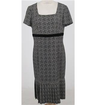 ReAL Size:12 black & white afternoon dress