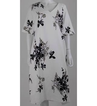 M&S Autograph Size 20 White/Black Dress