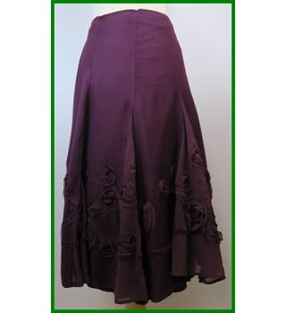 BNWT - Per Una - Size: 12 - Burgundy - Calf length skirt
