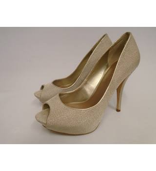 Zara - Size: 6 - Gold - Court shoes