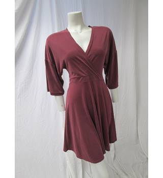 Silence & Noise Size M Burgundy Dress Silence & Noise - Size: M - Red