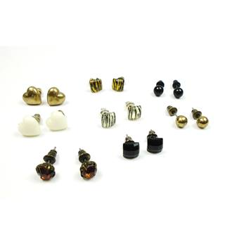 New Look pierced stud earrings x 8