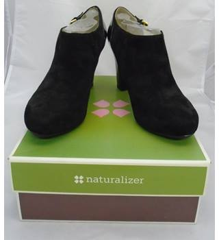 Naturalizer - Size 8 - Black Suede - Block Heeled Shoe