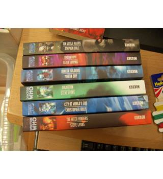 FIRST DOCTOR WHO BOOK BUNDLE