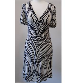 Karen Millen - Size: 10 Black & White Dress
