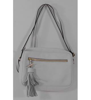 Marks & Spencer  White Leather Across the body / Shoulder bag