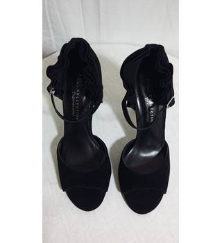 Marks and Spencers black ruffle heels BNWT size 3.5