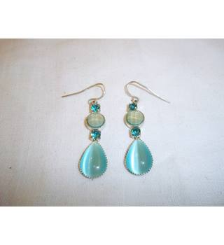 Aqua hued fish hook earrings Unbranded - Size: Small - Green
