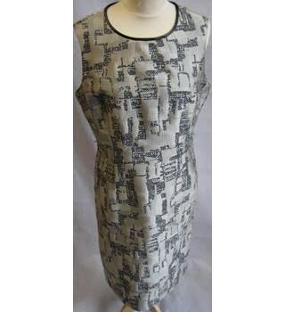 David Lawrence size 12 stone with grey and white textured abstract pattern shift dress