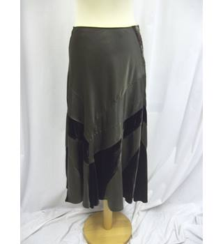 Per Una - Size: 14S - Olive Green - Long skirt