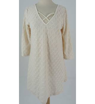 BNWT Jeuvre Size S/M Textured Knit Dress