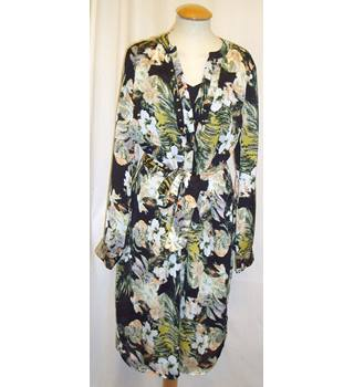 BNWT Per Una - Marks and Spencer Size 14  Floral print tie belted shirt dress with matching black slip