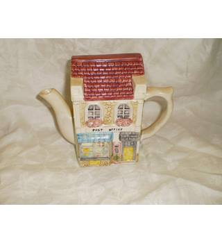 """Post Office"" Decorative Teapot by Leonardo"