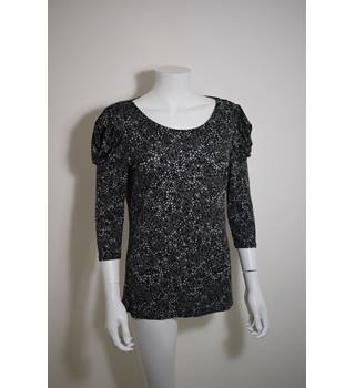 M&S Size 10 Top with swirled flower pattern in grey M&S Marks & Spencer - Size: 10 - Grey