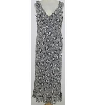 Debenhams: Size 14: Black and white floral maxi dress