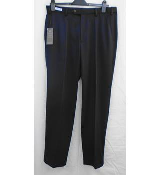 BNWOT M&S navy trousers Size W 34 L31