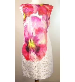 BNWT Ted Baker - Size: 10 - Pink - Evening