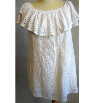 Unbranded - Size: 12-14 - White/Perforated -Fully Lined-Elasticated Round-Frill Neck-Cap Sleeve-Shift-Cotton Dress