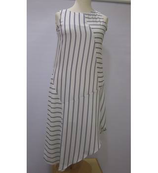 NWT - M&S Marks & Spencer - Size: 12 - Cream / ivory - Calf length