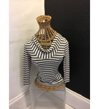 BRown and White Striped Top Phase Eight - Size: 8 - White