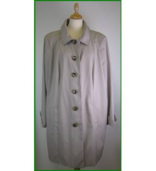 As new - Size: XL - Beige