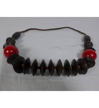 Wooden necklace. Unbranded - Size: Medium - Brown - Necklace