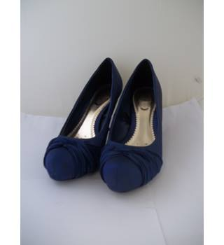 Debut - Size: 5 - dark blue satin court shoes