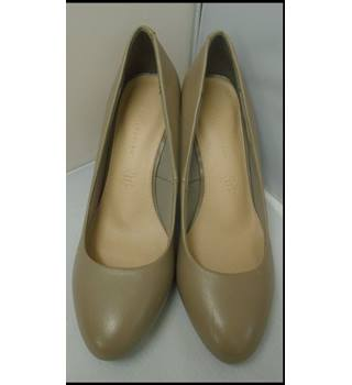 M&S Marks & Spencer - Size: 7 - Brown - Court shoes