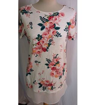 Per Una BNWT cream floral long line top size 10 M&S Marks & Spencer - Size: 10 - Cream / ivory - T-Shirt