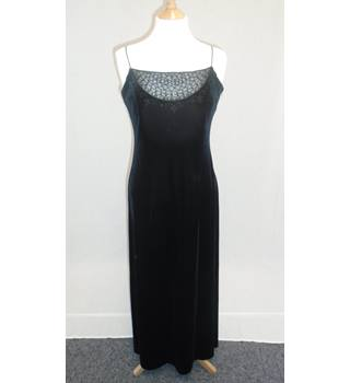Gina Bacconi - Size 12 - Black Velvet Dress