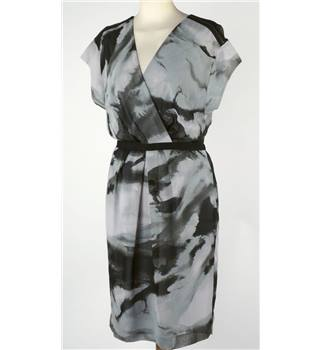 Limited collection size 6 grey and black dress. M&S Marks & Spencer - Size: 6 - Grey