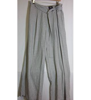 BNWT wide leg size 16 M and S grey trousers M&S Marks & Spencer - Size: M - Grey - Trousers
