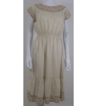 Vintage Handmade  Size L  Cream & Gold Lace Dress