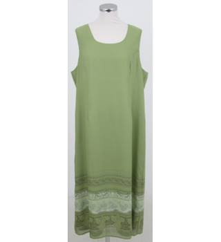 La Boutique: Size 22: Green mix sleeveless tunic dress