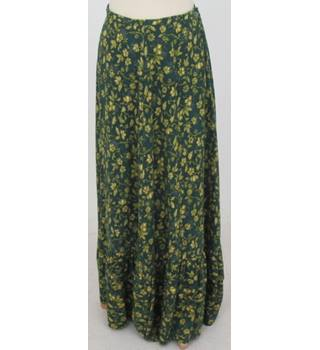 Travers Tempos size M green with mustard floral skirt