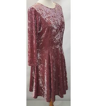 BNWT Topshop size 14 Dusty pink knee length dress