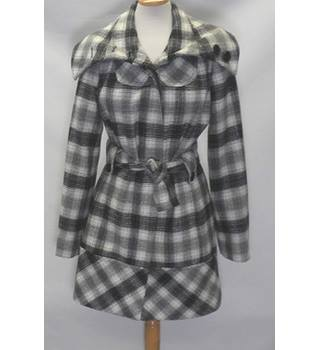 Red Herring - size 10, black and white checked smart coat