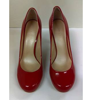 Nine West - Patent Leather Pumps - Size: 4 - Red - Heeled shoes