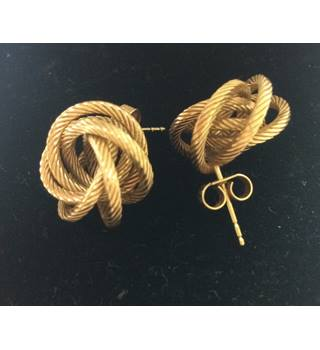 9 Ct Gold Knot Earrings