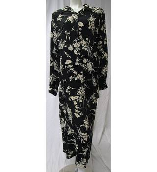 Black Viscose Floral Blouse with Skirt From Bhs Size 18 BHS - Size: 18 - Black