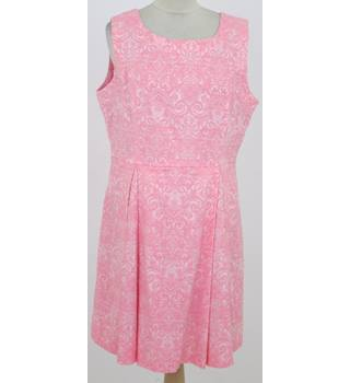 Joe Browns: Size 16: Pink jacquard front pleat dress