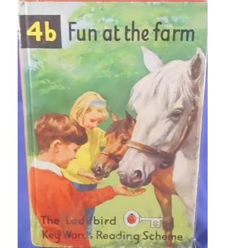 Fun at the farm - Ladybird Book