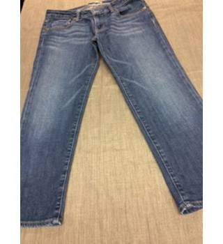 "JE Company Cropped Denim Jeans, with side zip JE Company - Size: 27"" - Blue - Cropped jeans"