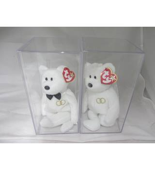 TY Beanies Bride and Groom in plastic cases