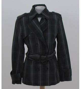 Zara Size:L grey check proofed jacket