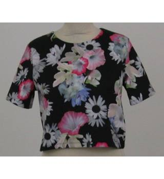 H&M - Size: S - Black with Floral Pattern Top