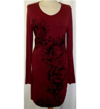 Kaleidoscope - Size: 12 - Red with Black Artistic Pattern - Knee length dress