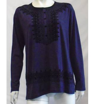 BNWT - Rumeysa - Size: Large - Purple Top