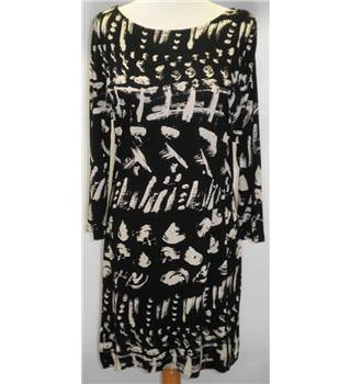 Next with love - Size 14 - Black and White Knee-Length Dress