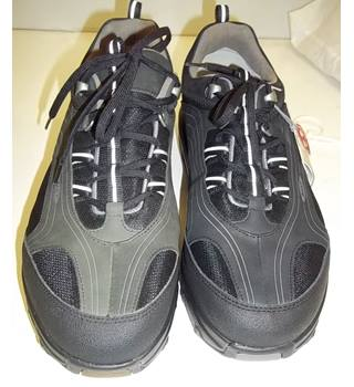 MBT - Size: 11 - Black - Trainers - NWBT